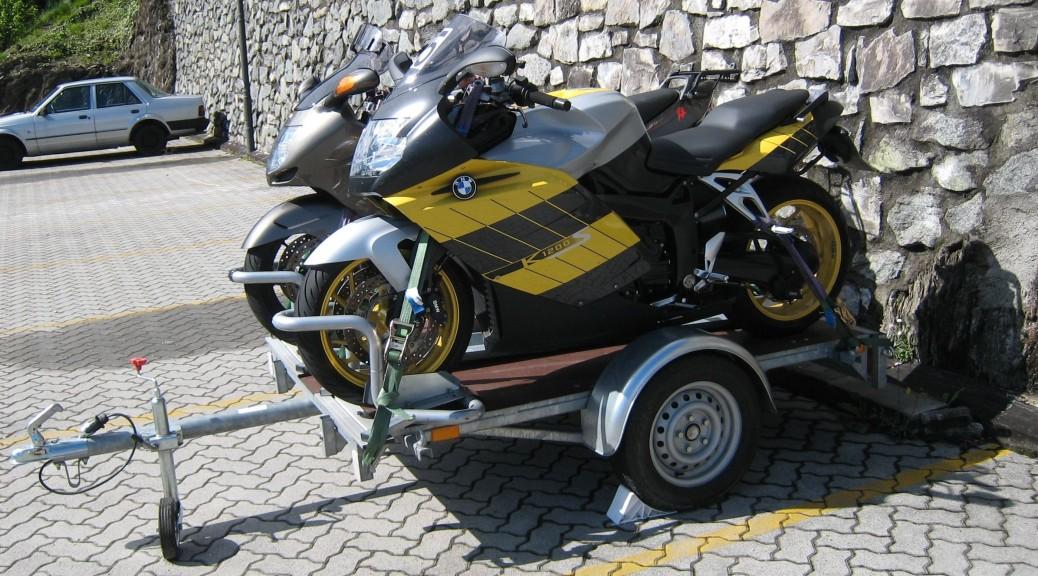 Motorradanhänger 2 BMW und Honda XX von Camp-Bike